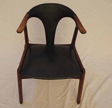 Teak chair in Vinyl