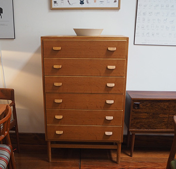 Oak chest of drawers – SOLD