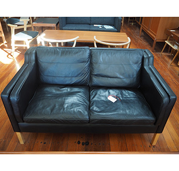2 Seater – Stouby sofa – $ 1500