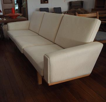 Hans Wegner Sofa – Model GE 236 $ 4200